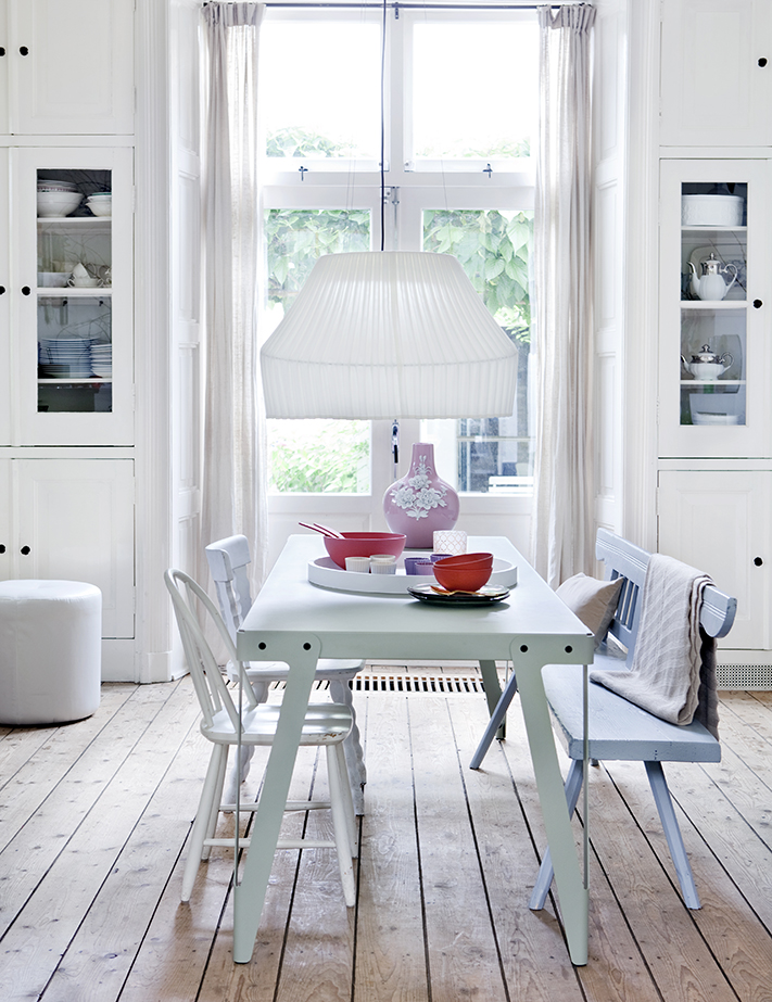 Ariadne; Dutch Design,  styling Susanne Houx