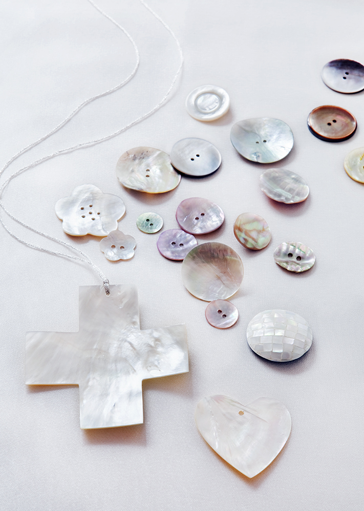 Pearls Shopping,  styling Susanne Houx